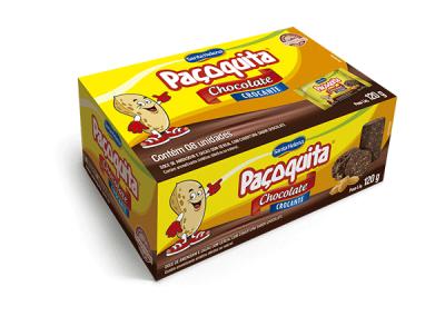 Dulce de cacahuete crujiente con cobertura de chocolate